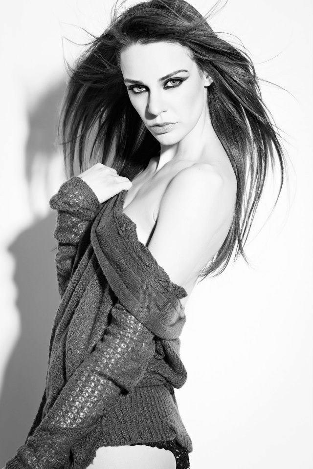 http://photos.modelmayhem.com/photos/130114/21/50f4e8721b6db.jpg
