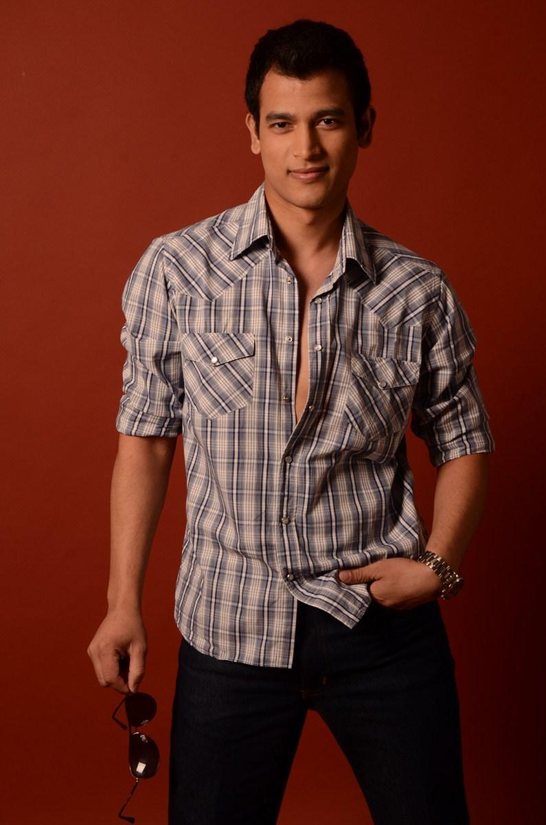 Male model photo shoot of RMAN