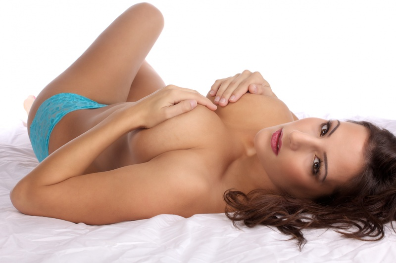Female model photo shoot of ChelseaElisabeth