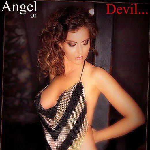 Female model photo shoot of Bella-Donna
