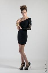 http://photos.modelmayhem.com/photos/130119/18/50fb520535d3e_m.jpg