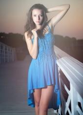 https://photos.modelmayhem.com/photos/130119/18/50fb533ae0408_m.jpg