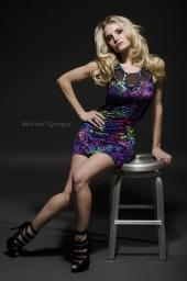 http://photos.modelmayhem.com/photos/130120/10/50fc3e0dc96be_m.jpg