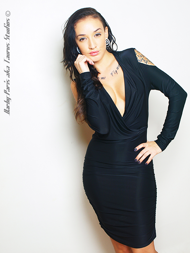 http://photos.modelmayhem.com/photos/130122/08/50fec4df70df6.jpg