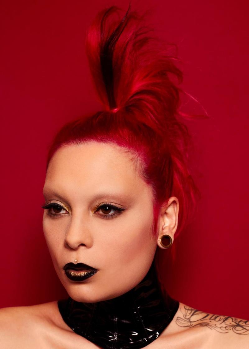 Female model photo shoot of Dana Dead Girl