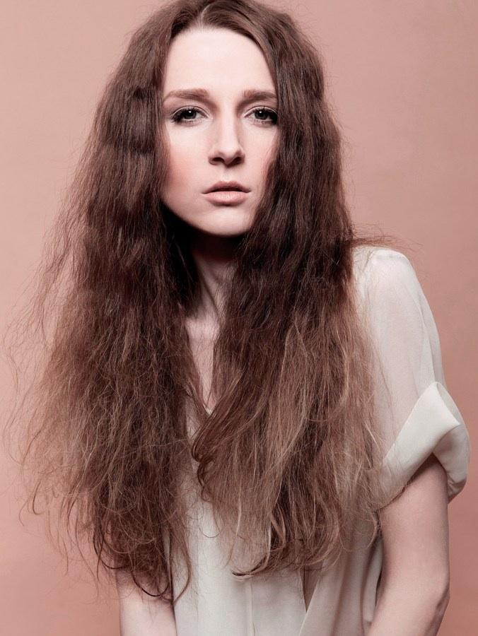 Female model photo shoot of Elizabeth Makhnachova