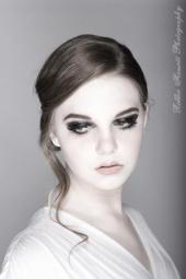 https://photos.modelmayhem.com/photos/130125/13/5102fd95724d6_m.jpg