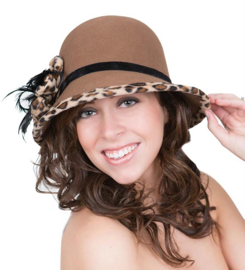 Female model photo shoot of BRITTANY DYAN