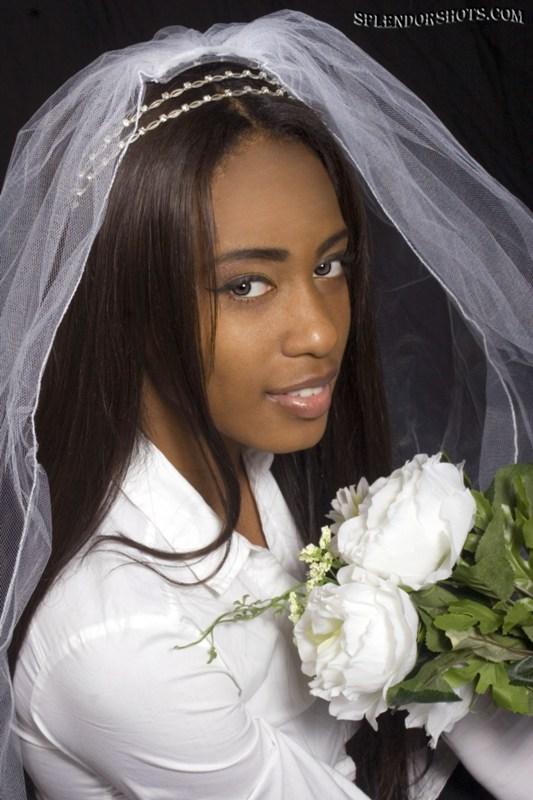 http://photos.modelmayhem.com/photos/130126/13/5104516fac43f.jpg