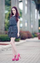 http://photos.modelmayhem.com/photos/130127/10/510577bb6d27b_m.jpg