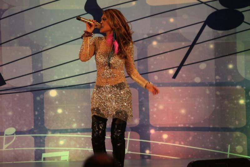 Jan 27, 2013 Candid shot Singing/Performing