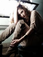 https://photos.modelmayhem.com/photos/130128/11/5106d1e4a87aa_m.jpg