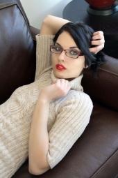 http://photos.modelmayhem.com/photos/130129/22/5108c24315b56_m.jpg