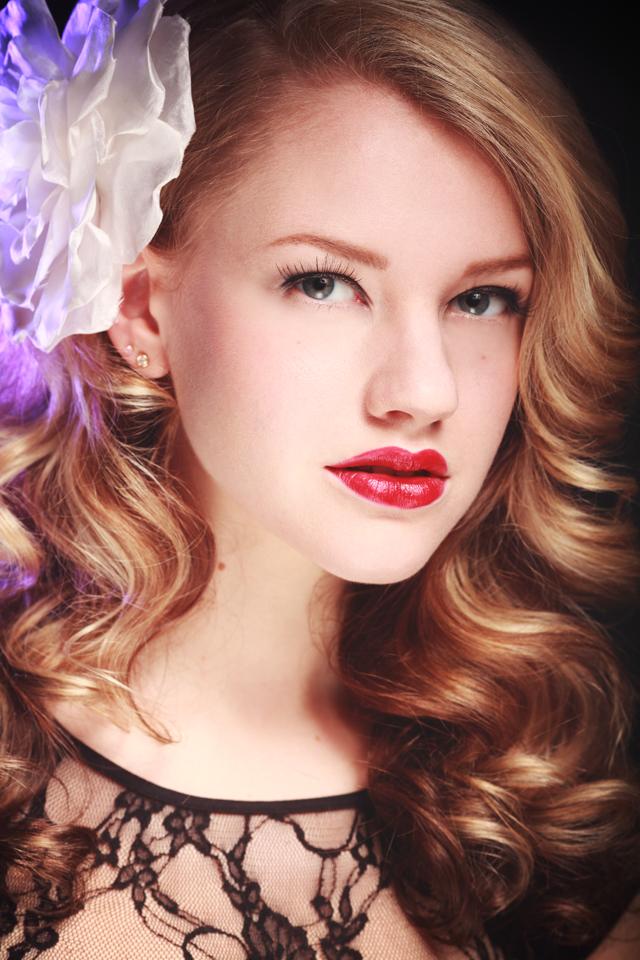 Female model photo shoot of Samantha Scharf