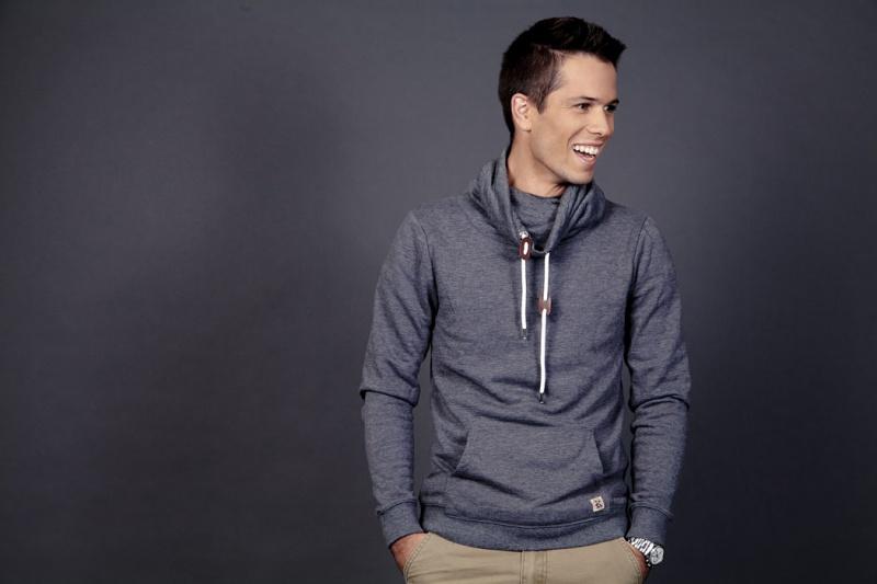 Male model photo shoot of Nathaniel Daniels in London