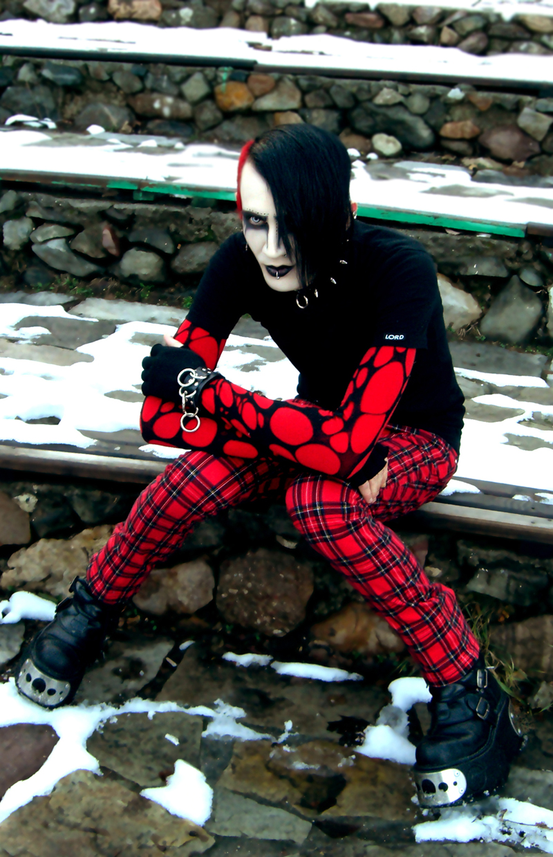 Male model photo shoot of Death and Decay