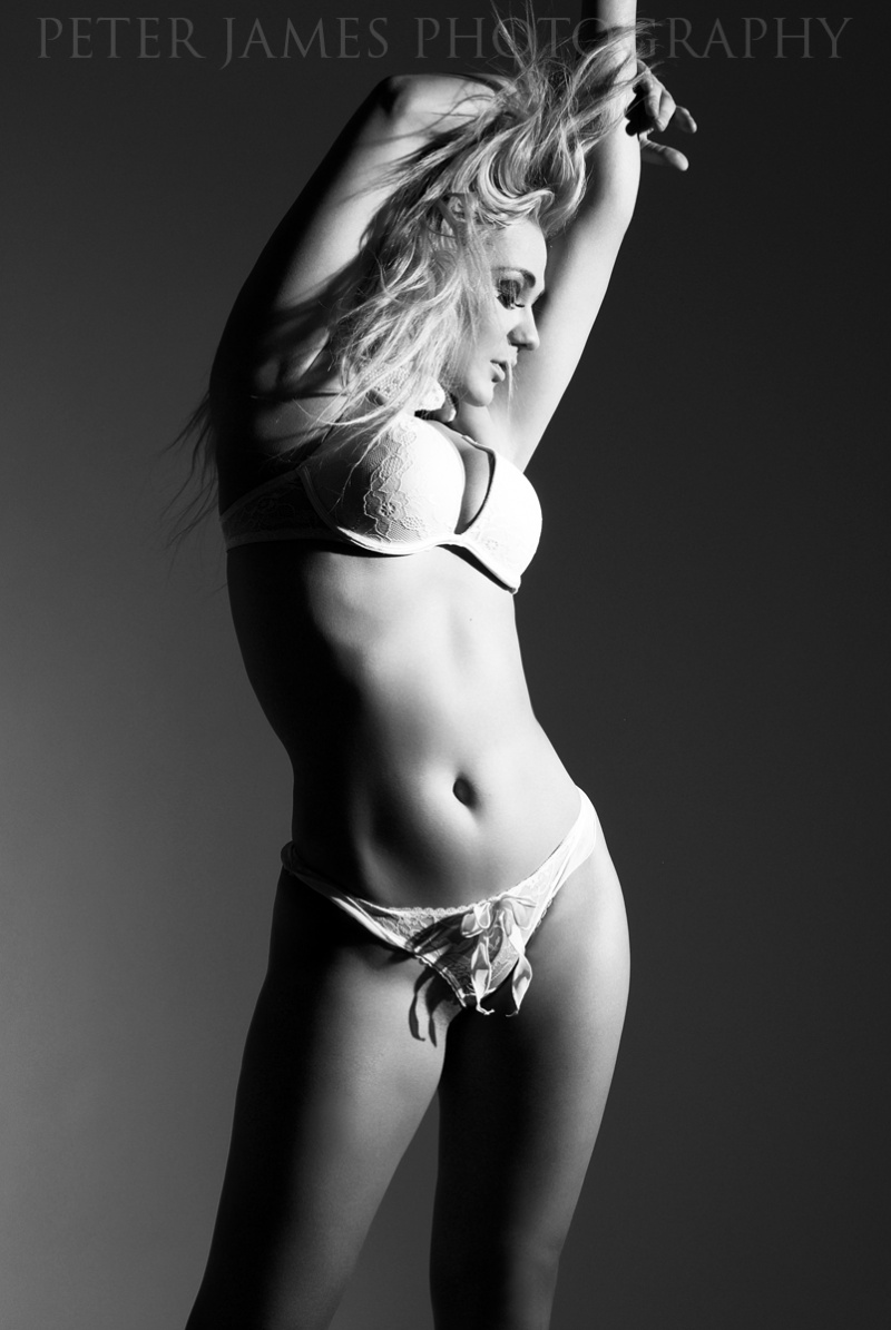 http://photos.modelmayhem.com/photos/130208/09/51152f49bcae7.jpg
