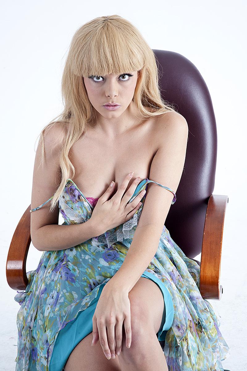 https://photos.modelmayhem.com/photos/130210/10/5117eaa5cbc79.jpg