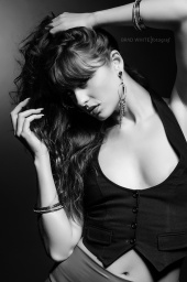 http://photos.modelmayhem.com/photos/130210/22/51189633dd243_m.jpg