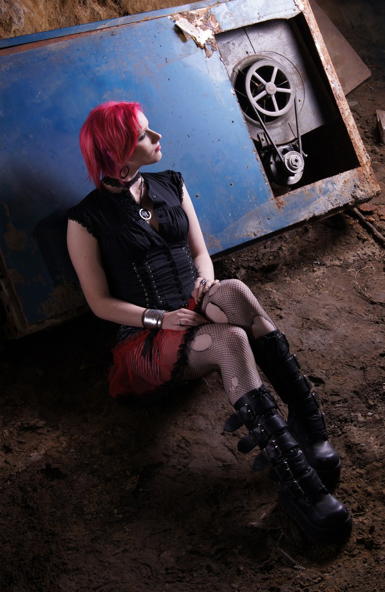 Female model photo shoot of Aurora Random