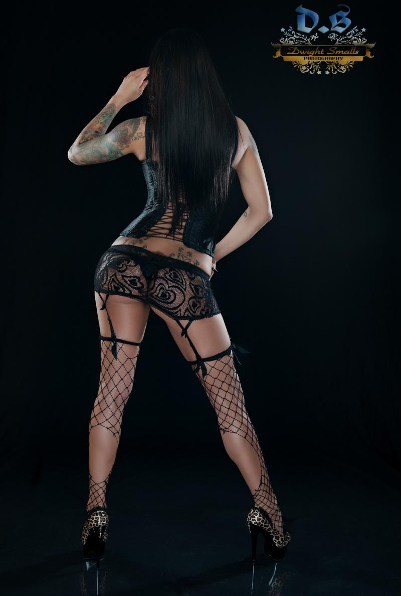 http://photos.modelmayhem.com/photos/130211/17/51199f90d891e.jpg