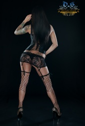 http://photos.modelmayhem.com/photos/130211/17/51199f90d891e_m.jpg