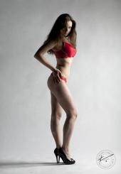 http://photos.modelmayhem.com/photos/130215/10/511e83095c79a_m.jpg