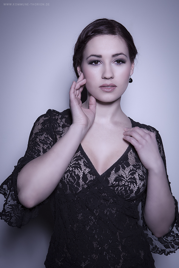 Female model photo shoot of Senorita Pepita in Studio-world.de