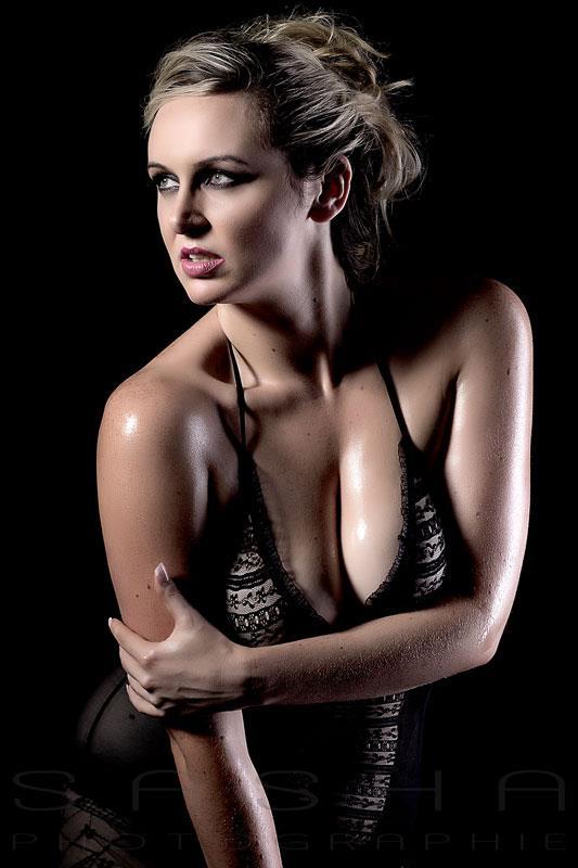 http://photos.modelmayhem.com/photos/130217/18/512195ebae7ff.jpg
