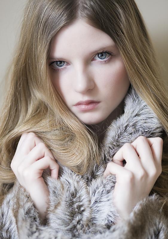 http://photos.modelmayhem.com/photos/130219/01/5123490ee404a.jpg