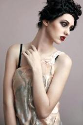 http://photos.modelmayhem.com/photos/130226/04/512ca5f28565b_m.jpg