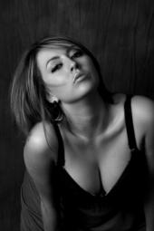 https://photos.modelmayhem.com/photos/130302/11/51325136b59f1_m.jpg