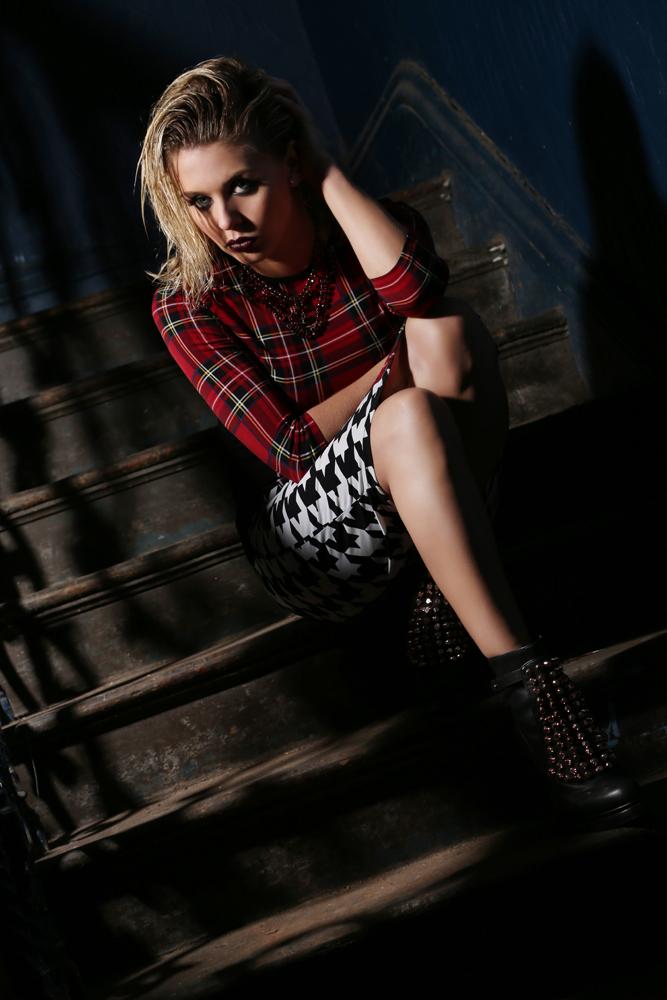 Female model photo shoot of Nicola Docherty