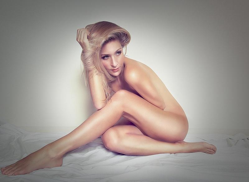 https://photos.modelmayhem.com/photos/130304/11/5134fce58f328.jpg