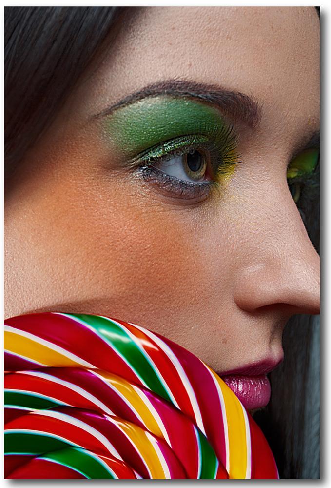 http://photos.modelmayhem.com/photos/130306/12/5137a0e679e6c.jpg