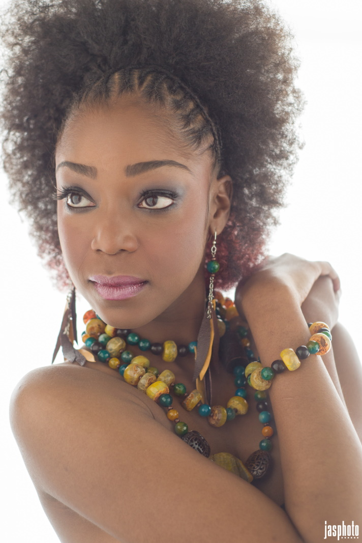 Female model photo shoot of Samanta Romain