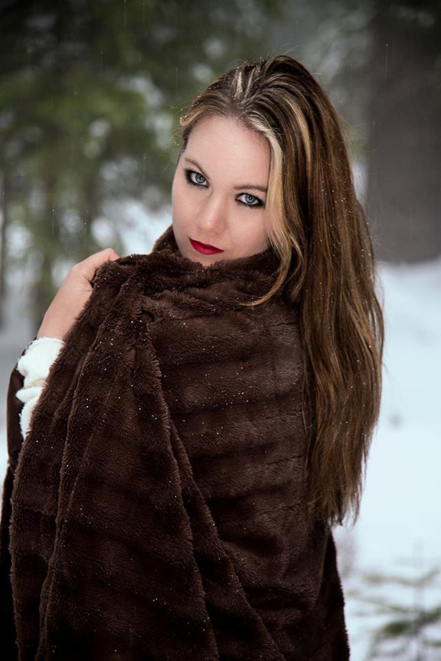http://photos.modelmayhem.com/photos/130314/01/514189bb8c155.jpg
