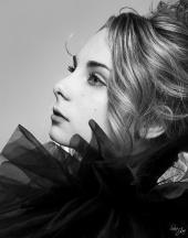 http://photos.modelmayhem.com/photos/130314/23/5142c00110b20_m.jpg