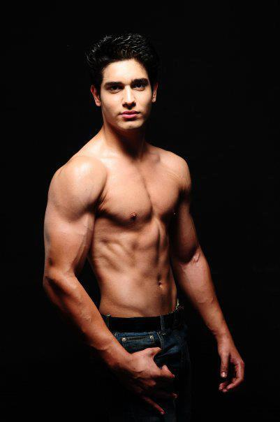 Male model photo shoot of Saloi Pestrel