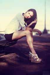 http://photos.modelmayhem.com/photos/130321/14/514b79887fc54_m.jpg