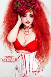 http://photos.modelmayhem.com/photos/130325/10/515083d1228c7_m.jpg