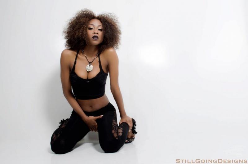 Female model photo shoot of Jay Davinci in Snelville, Ga
