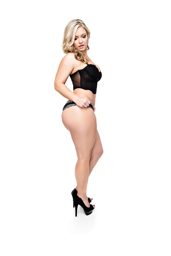 Female model photo shoot of Lana Laine by STUDIO4930