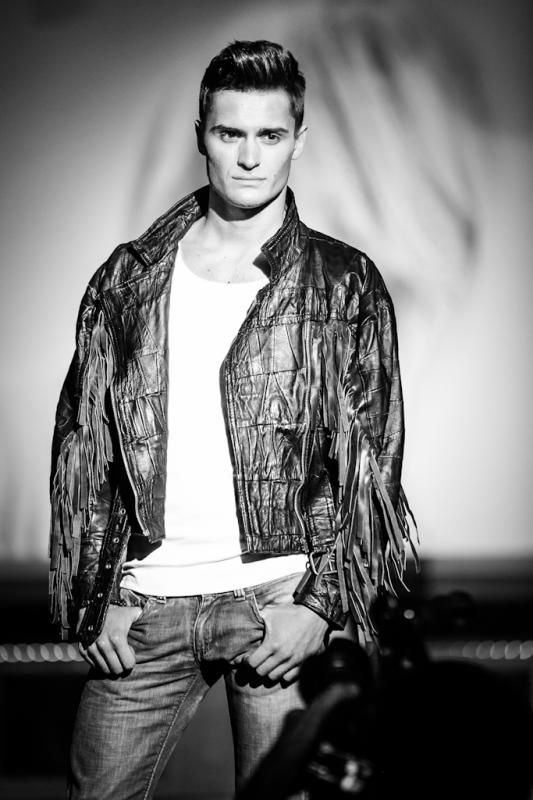 Male model photo shoot of Jeffrey Lambrecht in Carré Antwerp
