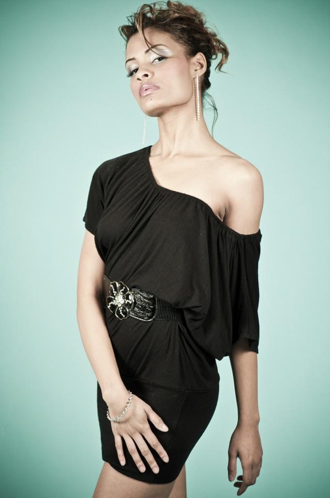 Female model photo shoot of modelkyra