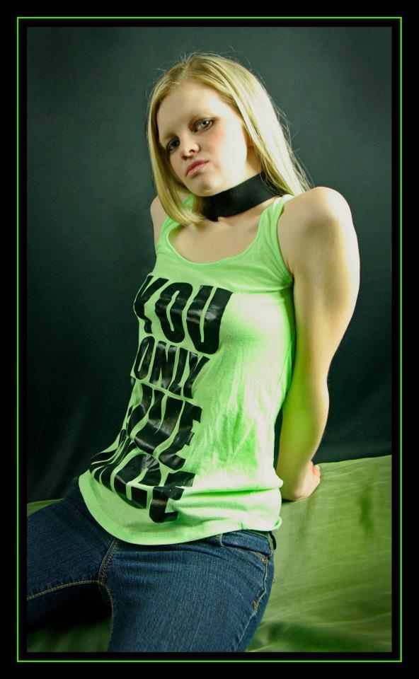 Female model photo shoot of Hanna21