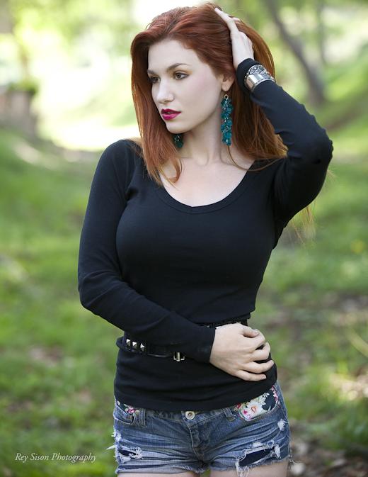 http://photos.modelmayhem.com/photos/130406/21/5160f87cb3942.jpg