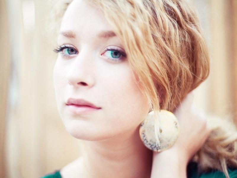 Female model photo shoot of Vovankaa
