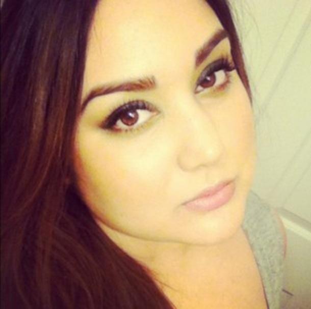 Female model photo shoot of Renee Ryans, makeup by Renee Ryans