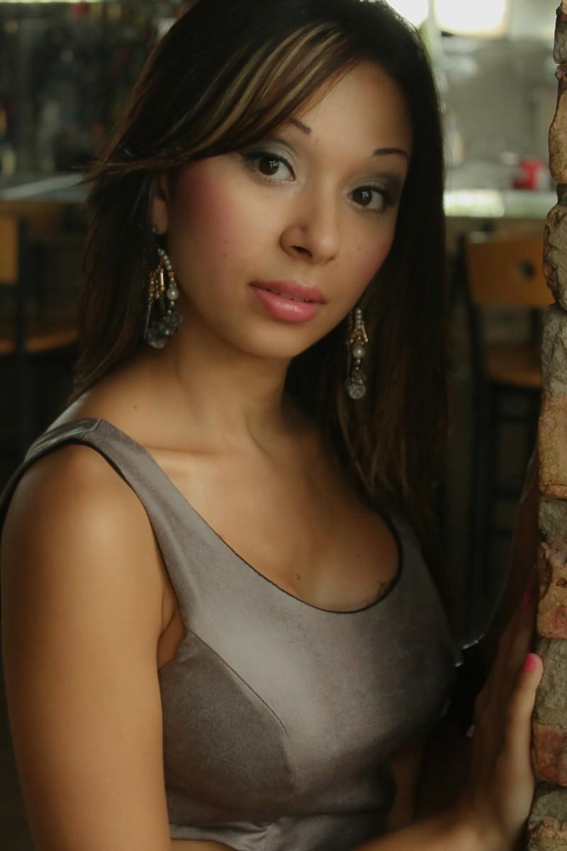 http://photos.modelmayhem.com/photos/130419/20/517206cacf087.jpg